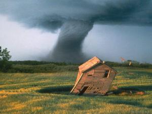 tornado-in-kansas